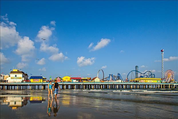 Galveston Pleasure Pier at Daytime